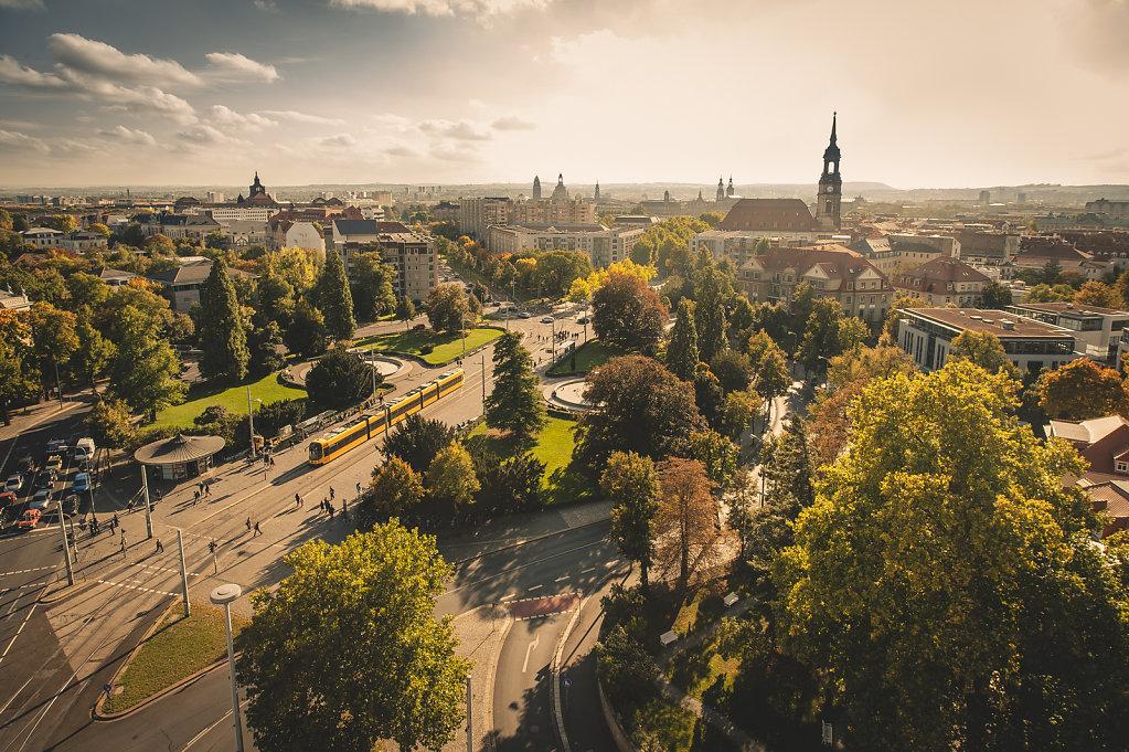 Dresden-Albertplatz-Verkehrsbetriebe.jpg